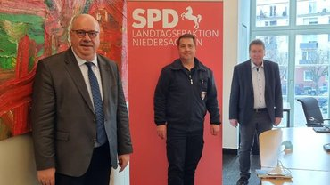 Treffen des Vorsitzenden der Landesfach-gruppe Feuerwehr, Mario Kraatz, mit Landtagsabgeordneten